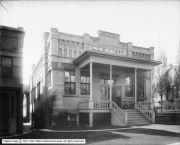 Ladies Literary Club, 1910